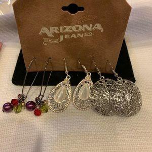 Arizona jeans co. Earrings set assorted